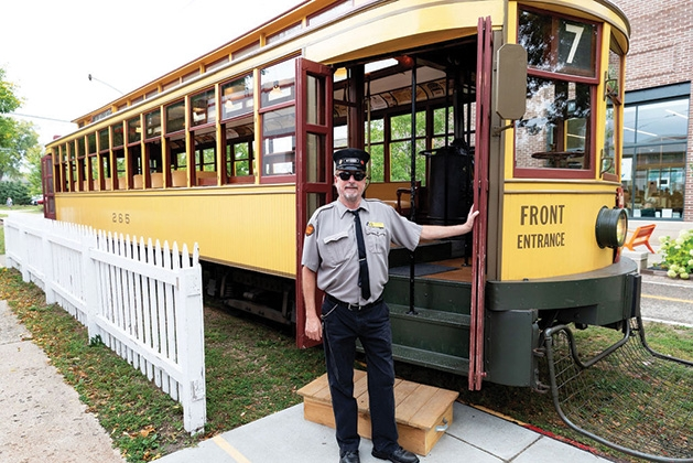 Trolley rides at Excelsior Apple Day 2019