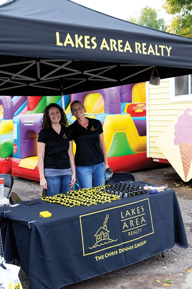 Mindy Shears and Kristen Viger at Excelsior Apple Day 2019