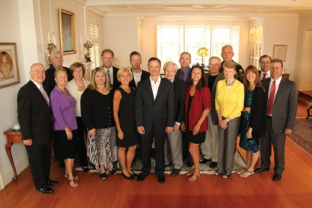 Military Family Tribute Committee with Gary Sinise
