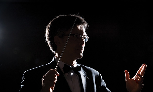Minnetonka Symphony director Jeffreu Stirling