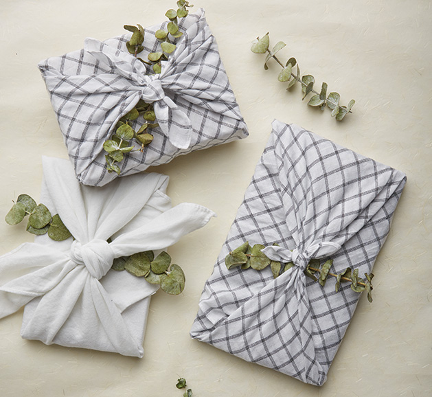 Gifts wrapped in The furoshiki method