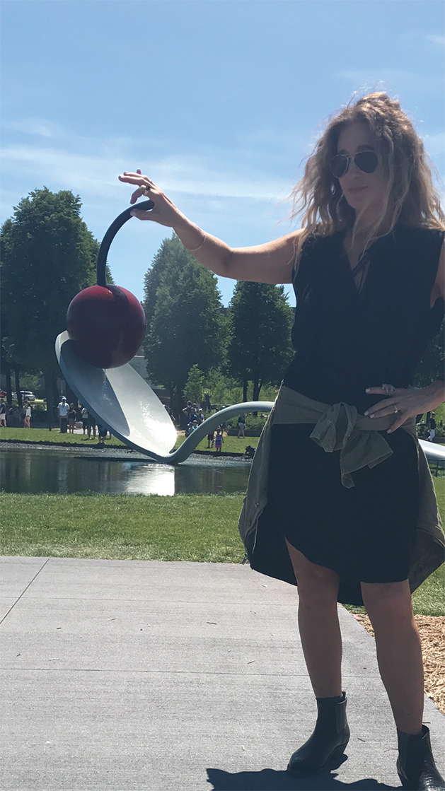 Classic photo with Spoonbridge and Cherry at the Minneapolis Sculpture Garden.